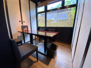 個室になるテーブル席1